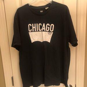 31f6f608 Men's Levi's Chicago Graphic T-shirt